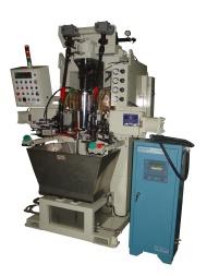 立式轮焊 : (油封座)与(外管)总成轮焊