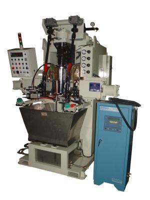 立式輪焊 : (油封座)與(外管)總成輪焊